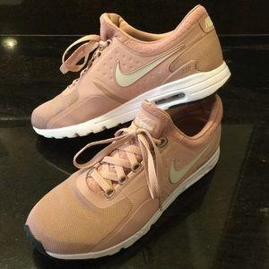Nike Rose Gold AIRMAX 10.5